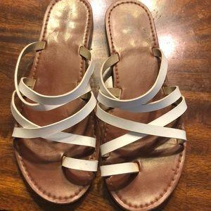 White sandals 💕